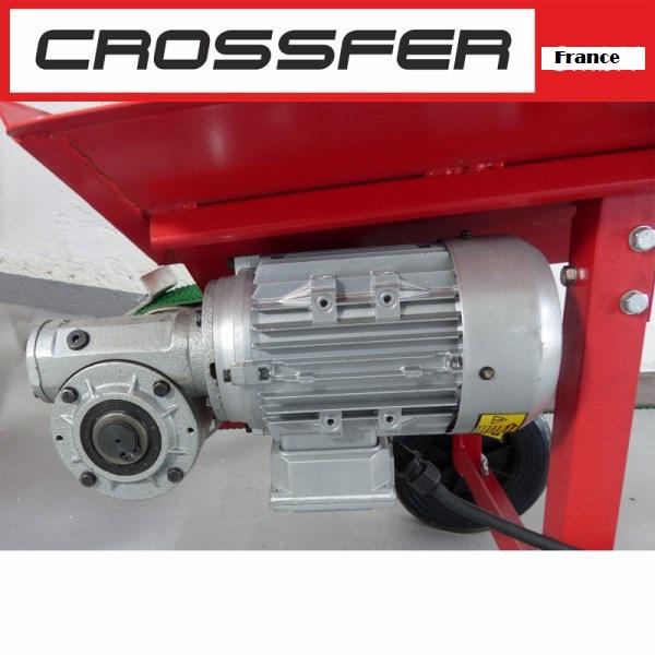 Tapis transporteur convoyeur 380v 5m - Prix colis transporteur ...